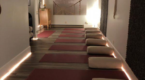 Studio de yoga adapté en milieu rural